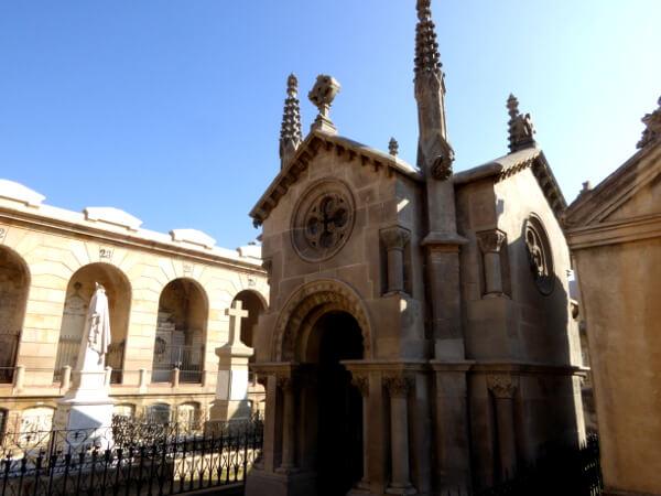Friedhof poblenou Barcelona familie mila