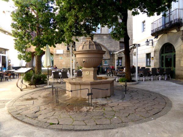 poble espanyol barcelona champagner Brunnen font de Cava