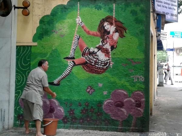 Copacabana street art Rio de Janeiro