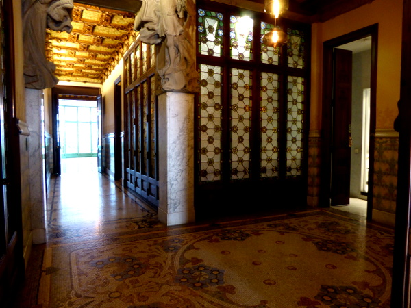 Casa Lleo Morera Barcelona privatraeume drinnen