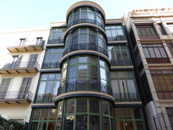 Casa Lleo Morera Rueckseite glasfenster Barcelona Modernisme
