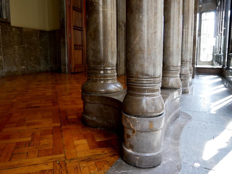 säulen palau güell barcelona