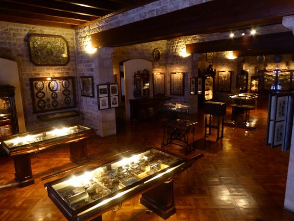 Sammlung Frauenzeug Museu frederic mares palau reial barcelona