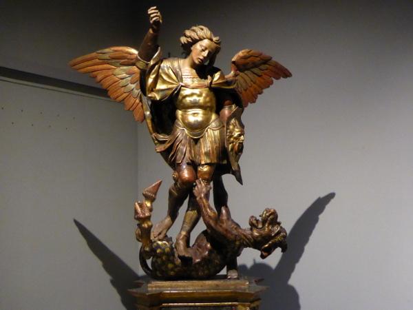 Sant Jordi Museu frederic mares palau reial barcelona