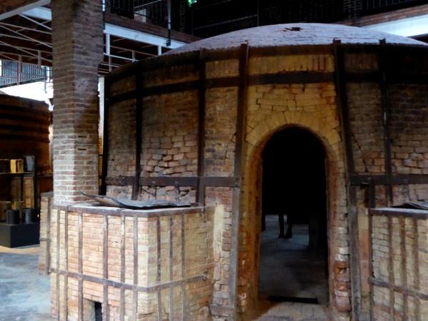 Töpfern La Bisbal Terracotta Museum Ofen
