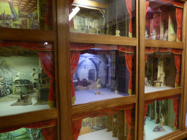 Theater sammlung Museu frederic mares palau reial barcelona