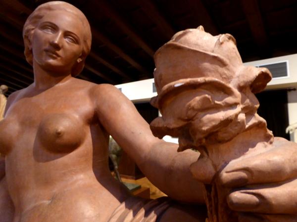 frederic mares werke atelier frau mit rose museu barcelona