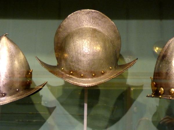sammlung helme Museu frederic mares palau reial barcelona