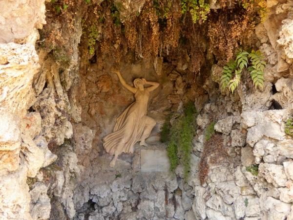 Labyrinth von Horta Brunnen im Park