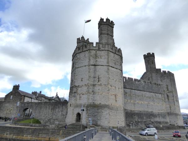 Caernarfon Castle wales Legenden