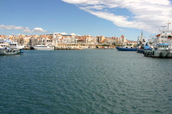 Einlaufen im Hafen ametlla de mar Thunfisch Tour freibeuter reisen