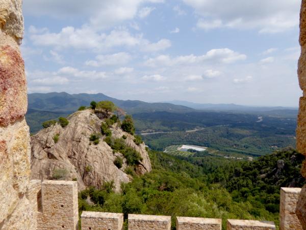 Castell de Farners La Selva Freibeuter Reisen Burgen Route ausblick guilleries