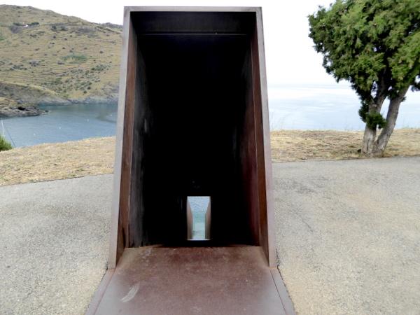 Memorial Tunnel Walter Benjamin Portbou Freibeuter Reisen