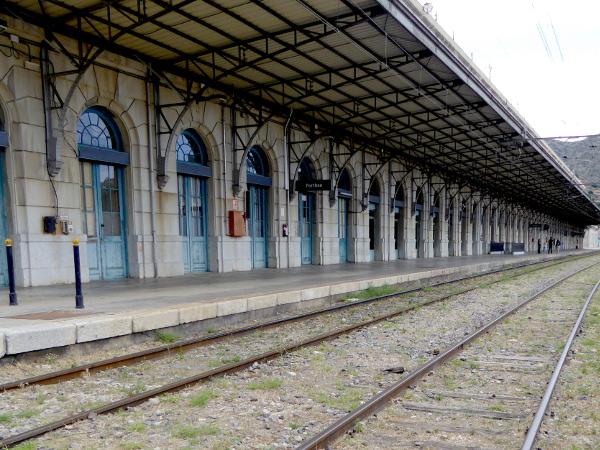 Portbou Bahnhof frz Seite Freibeuter Reisen