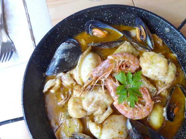 Portbou Cafe Freibeuter Reisen suquet de peix