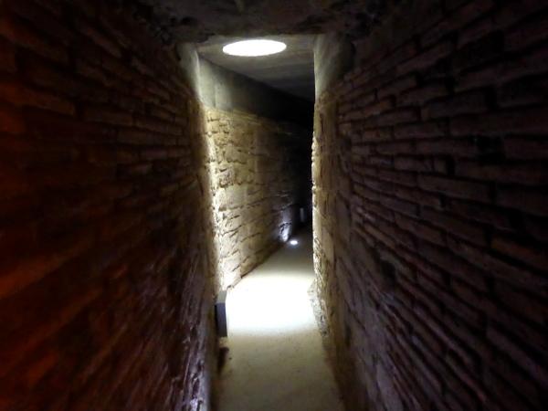 geheimer gang Burg der Tempelritter Gardeny Lleida Freibeuter Reisen