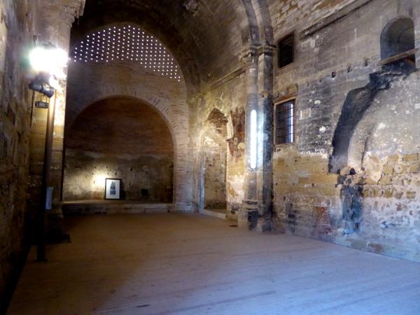 leere kirche Burg der Tempelritter Gardeny Lleida Freibeuter Reisen