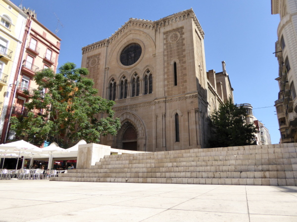 neue kathedrale alte apsis auf plaza lleida freibeuter reisen