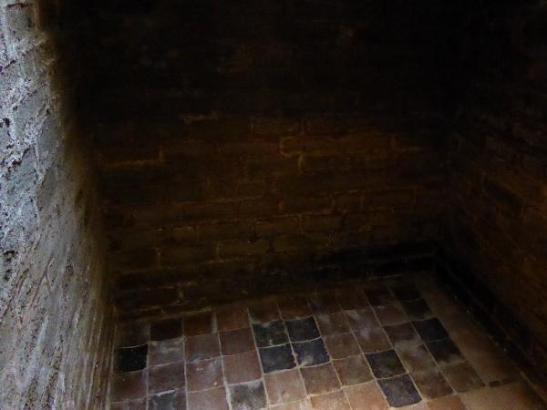 zisterne Burg der Tempelritter Gardeny Lleida Freibeuter Reisen