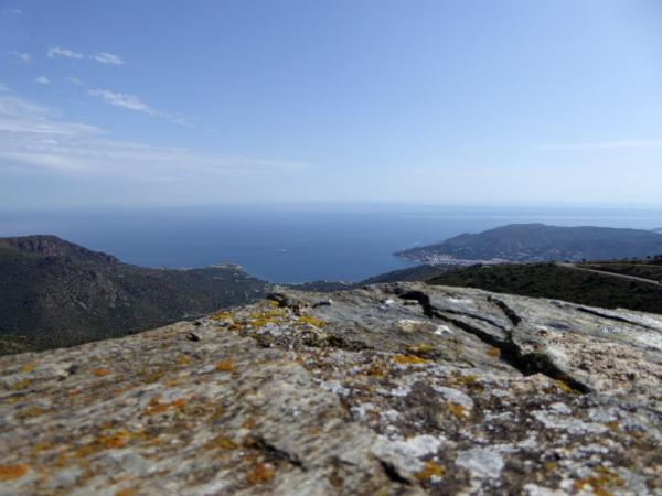 Blick aufs Meer Sant Pere de Rodes Freibeuter Reisen.