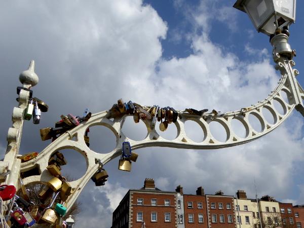 Dublin Half Penny Bridge Schlösser Freibeuter Reisen