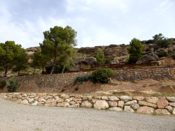 Höhle roca dels moros Felsmalereien Steinzeit el cogul Freibeuter Reisen Lleida.