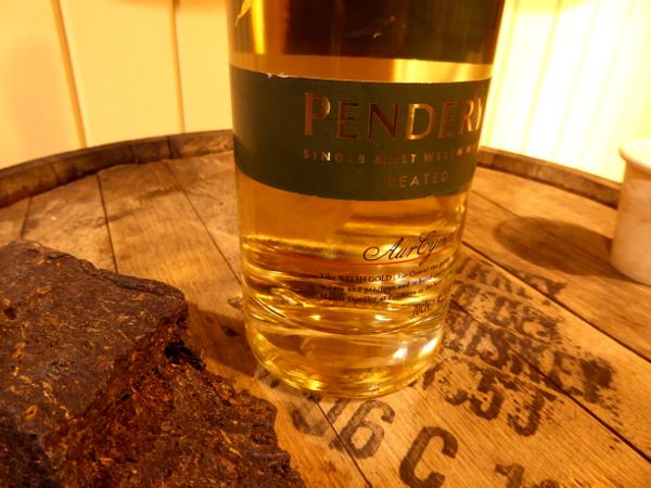 Penderyn Destillerie Wales Whisky Freibeuter Reisen rauchig peaty