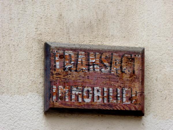 altes Schild in Perpignan Freibeuter Reisen