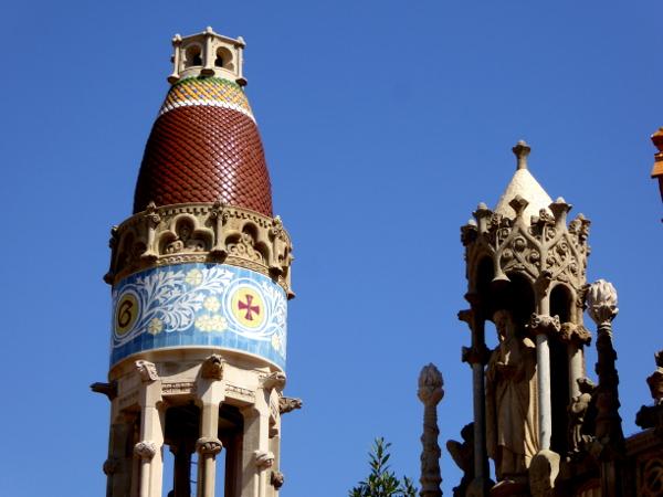 hospital-sant-pau-santa-creu-barcelona-kuppel-turm-freibeuter-reisen
