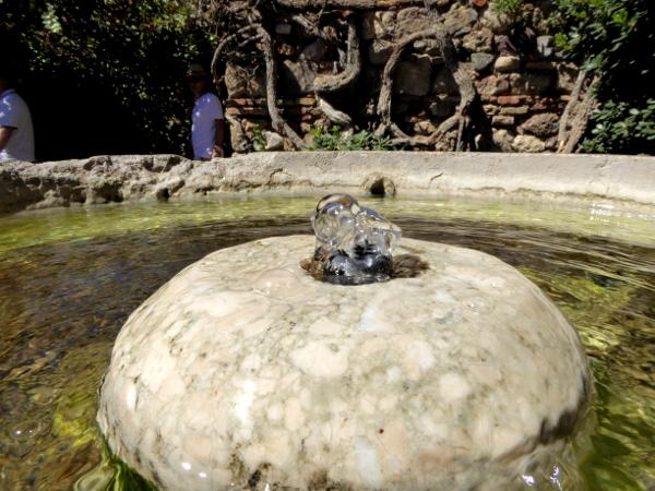 malaga-alcazaba-brunnen-wasser-freibeuter-reisen