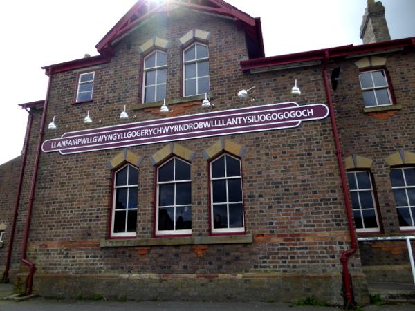wales Sprache Walisisch Freibeuter reisen auf Anglesey