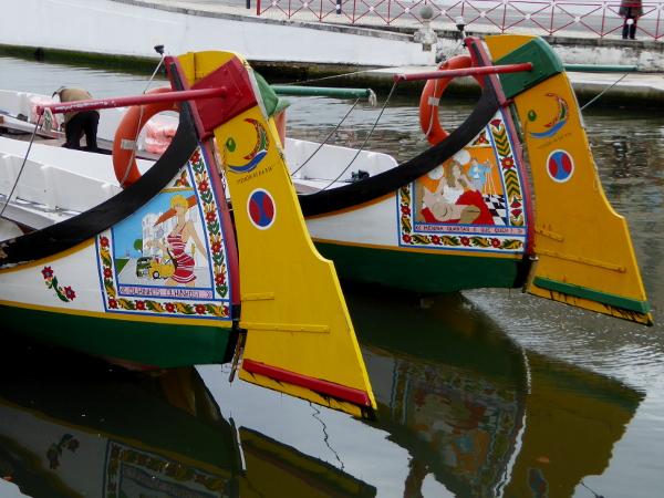 aveiro-fischerboote-moliceiros-freibeuter-reisen