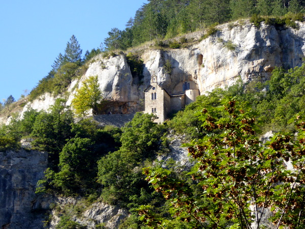 saint-enimie-kapelle-gorges-du-tarn-freibeuter-reisen-lozere