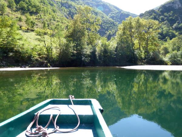 boot-auf-der-tarn-les-gorges-du-tarn-freibeuter-reisen