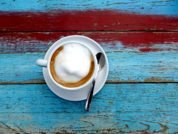 kaffee-strandbar-surfer-noa-hotel-areias-do-seixo-freibeuter-reisen