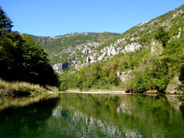 tarn-gorges-du-tarn-lozere-freibeuter-reisen-bootsfahrt