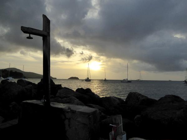 abends-hotel-baoua-pointe-du-bout-strand-martinique-freibeuter-reisen