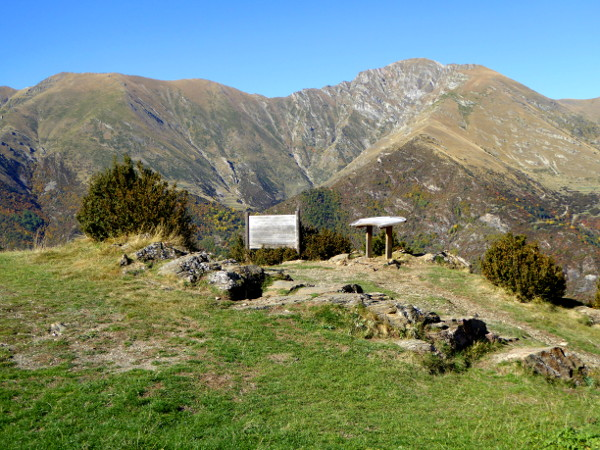 aussicht-sant-quirze-romanische-kirchen-vall-de-boi-freibeuter-reisen