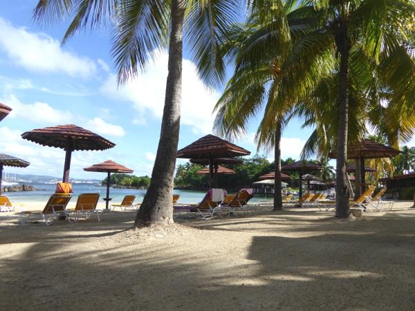 hotelzimmer-am-strand-hotel-bakoua-pointe-du-bout strände martinique-freibeuter-reisen