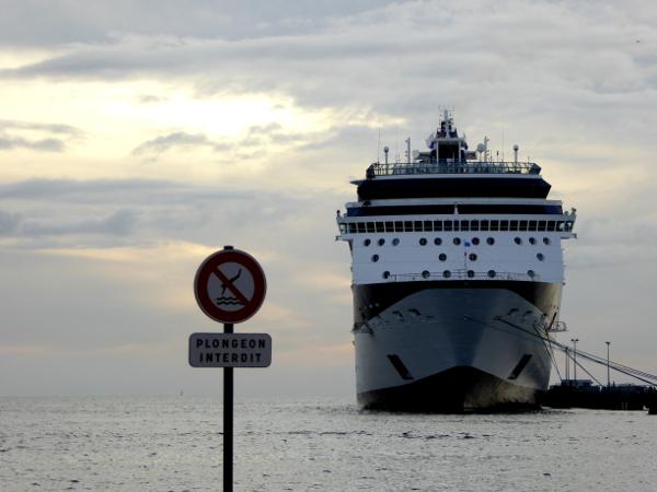 kreuzfahrtschiff-fort-de-france-martinique-freibeuter-reisen