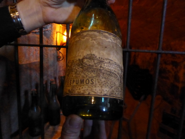 llopart-cava-barcelona-original-flasche-sekt-freibeuter-reisen