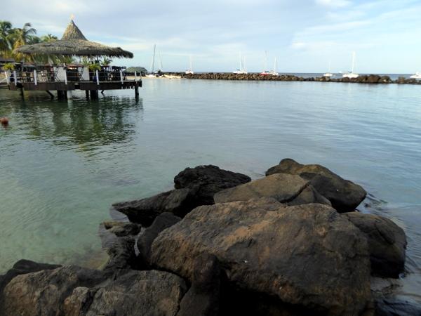 strandbar-hotel-bakoua-pointe-du-bout- strände martinique-freibeuter-reisen