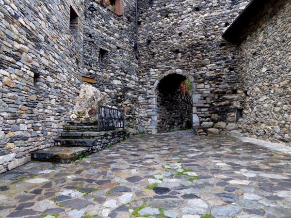 vall-de-boi-steinbau-freibeuter-reisen