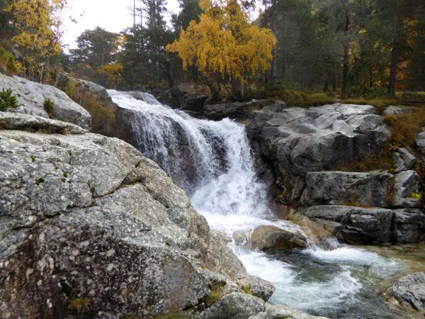 wasserfall-nationalpark-aigueestortes-freibeuter-reisen