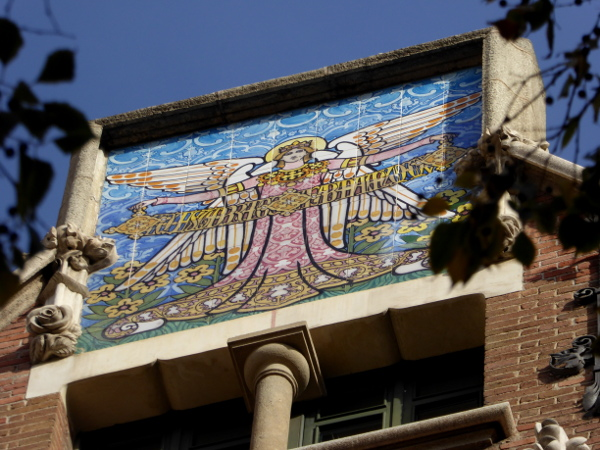 casa-de-les-punxes-barcelona-freibeuer-reisen-bild-angela-angel