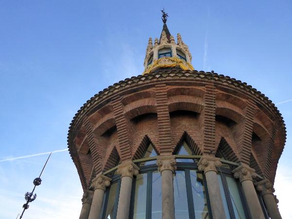 casa-de-les-punxes-barcelona-freibeuer-reisen-turm