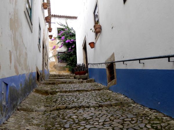 obidos-portugal-freibeuter-reisen-gasse