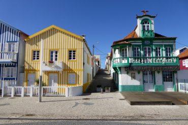 Alte Fischerhütten entlang der Küste 4