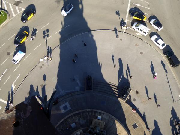 kolumbussaeule-barcelona-aufzug-blick-von-oben-freibeuter-reisen