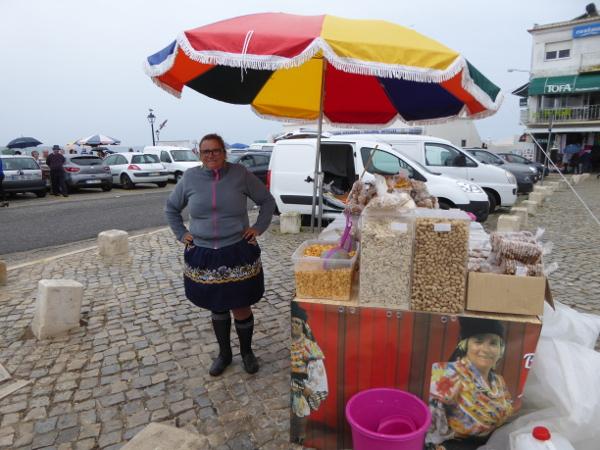nazare-centro-de-portugal-trachten-freibeuter-reisen